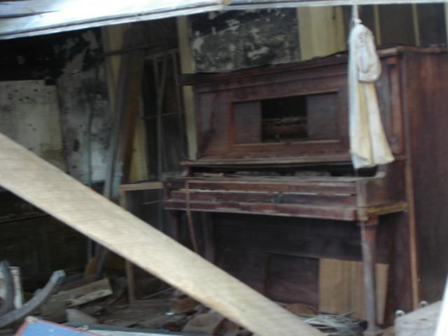 Abandoned Farmhouse Near Troy Illinois