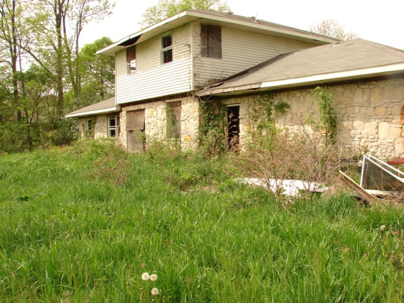 10 >> Abandoned House in Central Indiana