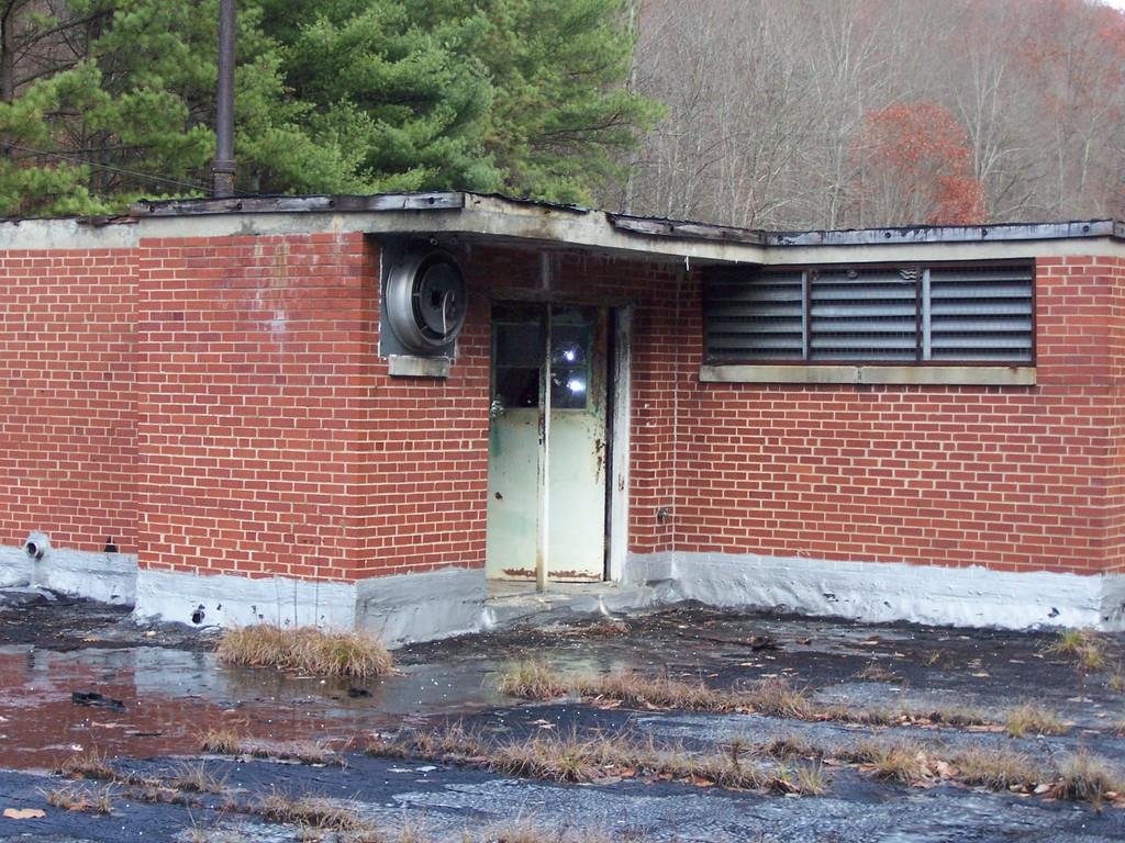 Dante Grade 3 7 School Located In Dante Va